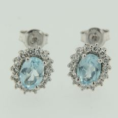 14 kt White gold rosette ear studs set with blue topaz and an entourage of brilliant cut diamonds ***NO RESERVE PRICE***