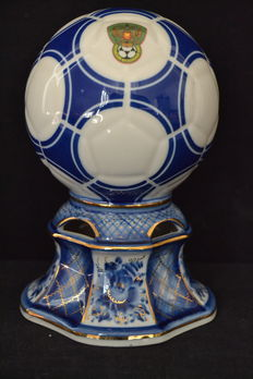 Porcelain soccer ball in porcelain