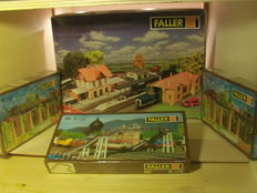 Faller H0 - 544/B179 - Warehouses / pillars / pedestrian-bridge