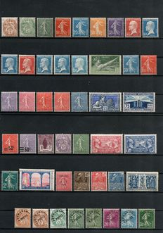1900/1930 France - Collection of 46 stamps between Yvert no. 110 and 274.