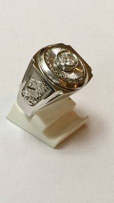 White gold men's ring with beautiful decoration on the side, side with zirconia stones.