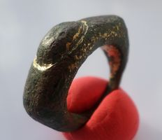 Roman bronze ring with gilding - 24 mm