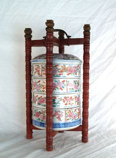 Porcelain stacking box - Japan - approx 1900