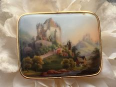 Gold brooch with a landscape - Signed