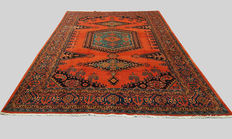 Handwoven Persian Rug, Wiss Viss 360 x 250cm, made in Iran, natural colours