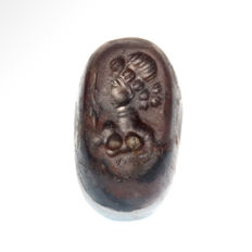 Large Sassanian Agate Seal, Portrait of a Queen, 2.9 cm L