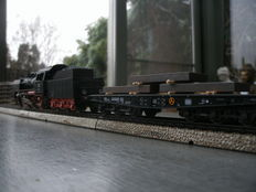 Märklin H0 - 3003/48664 - Steam locomotive with tender Baureihe 24 + flatcars loaded with steel slabs of the DB