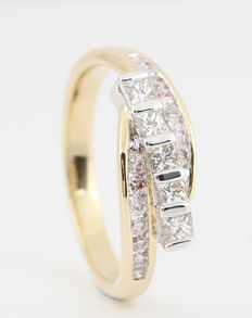 14kt diamond ring total approx. 0.75ct - size 56 & G-H/VS2-SI1.      'Brand New Item'     14 brilliant-cut and 5 princess-cut diamonds