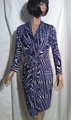 Max Mara – Printed lace-style blue dress.
