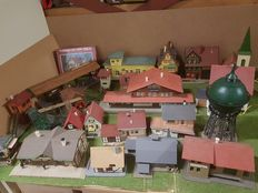 Faller/Kibri/Pola/Vollmer Scenery H0 - 22 Buildings (Houses/Station buildings/ Industrial / Platform) of which some with lighting
