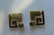 14 kt ear studs with diamond