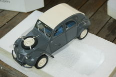 Otto Mobile-scale 1/18-Citroën 2CV 4 x 4 Sahara, colour grey with white roof