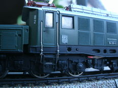 Märklin H0 - 3022 - Eloc 'German Crocodile' BR194 of the DB