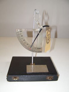 Paper balance in box - 20th century