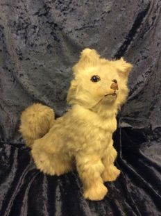 French candy box in the form of a sitting spitz