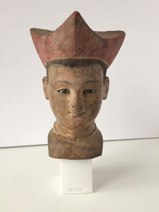 Carved wooden head of young Bishop - Late 18th early 19th C