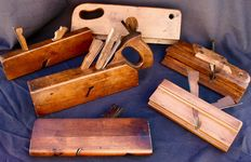 6 wooden planes, France