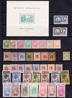 Guinea 1904/1944 - Almost complete collection between Yvert no. 13 and 186 including complete series, Airmail and Postage Due.