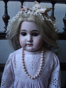 Antique doll - A.M. 3 DEP 3700 - Germany.