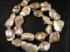 Irregularly shaped fresh water pearl necklace - 925 silver