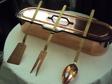 Fish oven recipient in tinned copper and three copper cookware sets