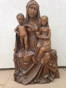 Wonderful wooden figure of Anna Selbdritt - made of carved walnut - likely from Germany - beginning of the 20th century