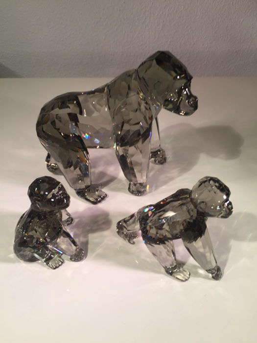 Swarovski - annual edition from 2009, '' Gorillas + extra young (2) - Crystal
