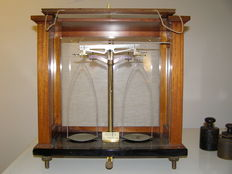 "Precision balance, ""Marius Instruments"" - Utrecht - the Netherlands - ca. 1920"
