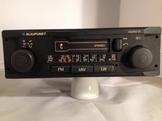 Blaupunkt Madrid 23 classic car radio from 1982/1983 for Opel, Ford, Volkswagen, Porsche.