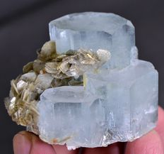 Aquamarine Crystal Cluster with Muscovite Mica - 55 x 50 x 45 mm - 141 gm
