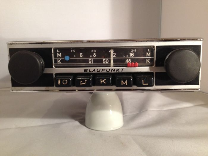 Classic Blaupunkt Bremen (s) classic car radio from the 1960s/1970s Volkswagen, Opel, Ford, Mercedes, Porsche, and others