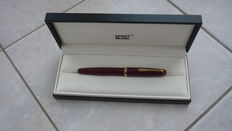Montblanc Monte Rosa red (042G) fountain pen