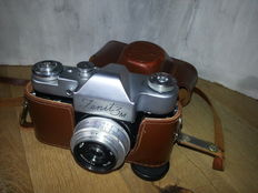 Zenit 3M 35 mm camera with leather case (ca. 1965) - USSR