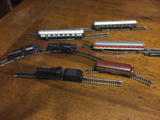 Lima N - 258/231/252 - Lot of locomotives, carriages and platforms