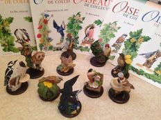 A collection of 10 superb birds with their booklets