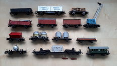 Märklin H0 - 13 x metal goods wagons and 1 x metal passenger carriage of which  1 x Electro train
