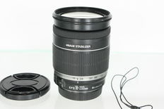 Canon EF-S 18-200mm f3.5-5.6 IS / Telephoto lens