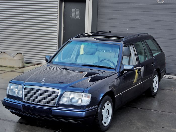 Mercedes benz e class combi elegance 1995 catawiki for Mercedes benz e class 1995