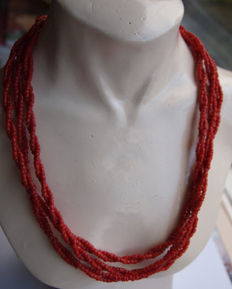 6-row necklace of red coral with antique clasp