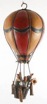 Decorative wooden air balloon with balloonists
