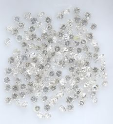 162 Round Brilliant Diamonds – 0.76 ct.