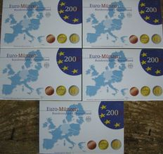 "Germany – Year pack 2006 A, D, F, G, J, including 2 Euro coin ""Lübecker Holstentor"""