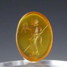 Roman carnelian intaglio with Venus - 18,6 mm