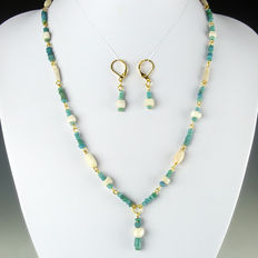 Matching set of earrings and necklace with Roman turquoise glass, stone and shell beads - 51 cm