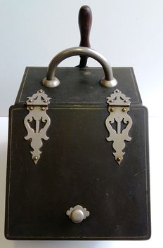 Beautiful antique metal coal box with detailed ornaments plus accessories - the Netherlands - 1st half 20th century.