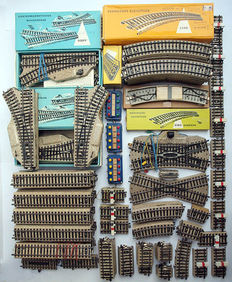Märklin H0 - 152-piece M-rail assortment