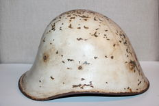 Exceptional rare Romanian helmet with winter camo from Stalingrad - WW2