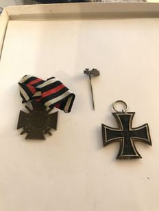 Iron Cross 1914 second class with manufacturer (willm) -- Honour cross front fighter -- Miniature needle