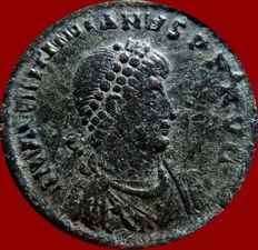 Roman Empire - Valentinian II (375-392 A.D.) bronze maiorina (4,95 g. 23 mm.), Antioch mint AD 378 - 383. REPARATIO REIPVB. ANTA in exergue.