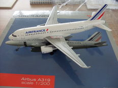 Airbus A319 Air France 1/200 Herpa new in OVP